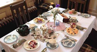 A breakfast table at Beaconsfield Inn